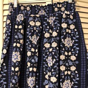 Old Navy short floral skirt size medium